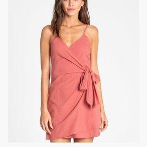 NWOT billabong island wrap woven dress size small